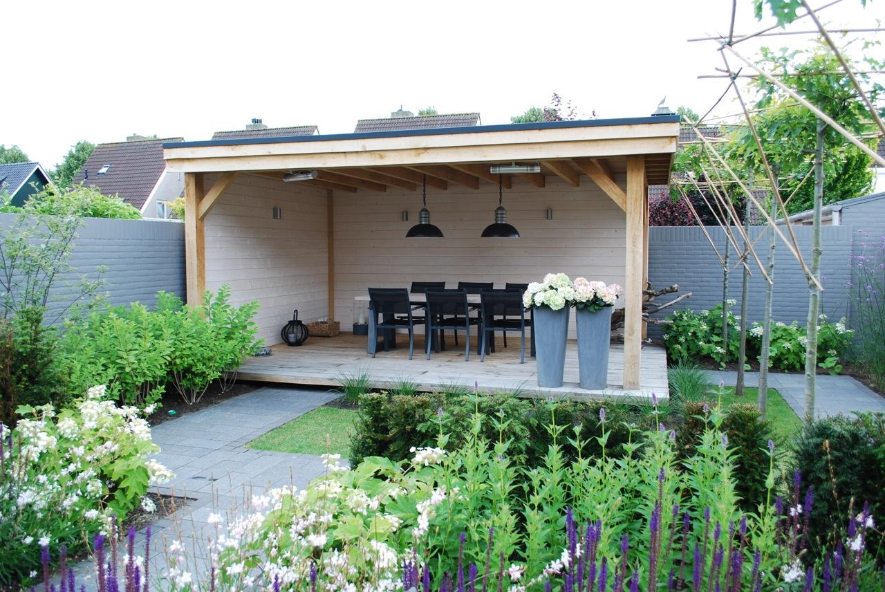 Houthandel van Dal : houten tuinhuis - douglas en eiken hout