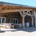 Eiken spanten voor houten overkapping